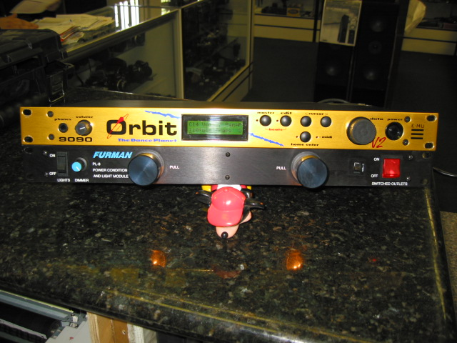 Orbit 9090 Synthesizer E-mu Orbit 9090 v2 The Dance