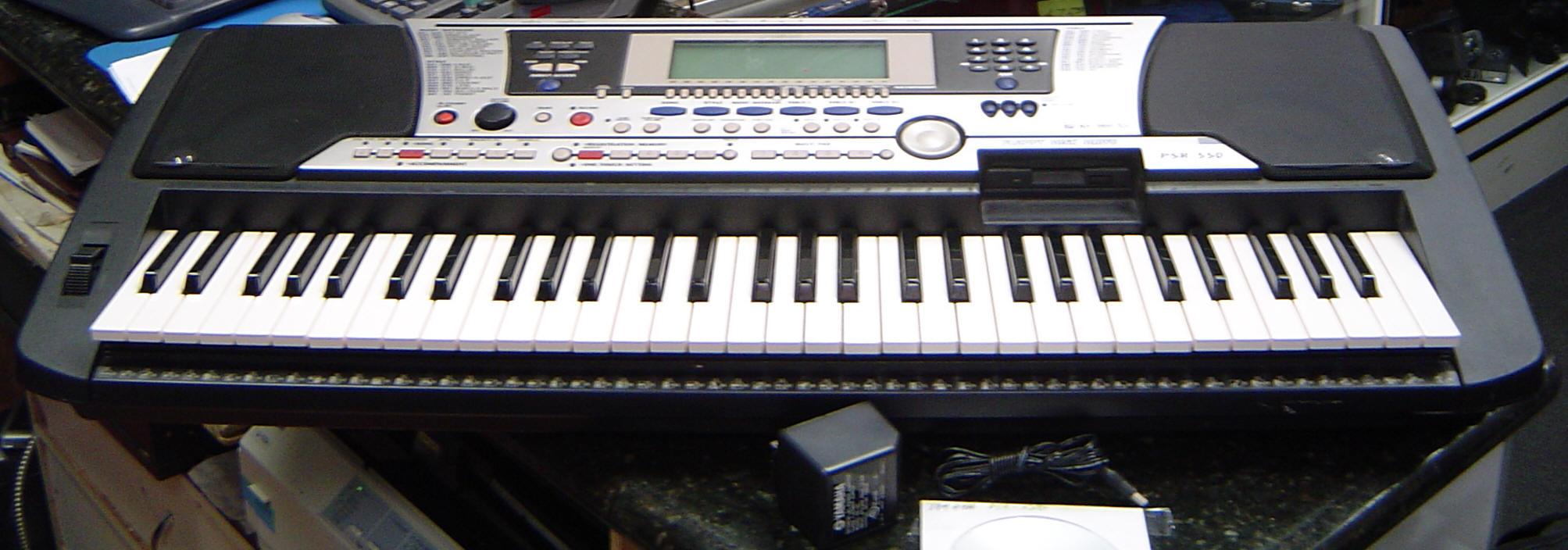 yamaha psr 550 keyboard 61 piano size touch sensitive keys rh pawnplex com manual yamaha psr s550 manual do teclado yamaha psr 550 em portugues