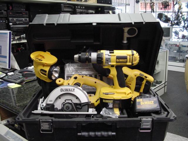 dewalt heavy duty 18v cordless reciprocating saw kit